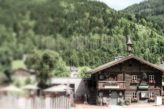 The steak house Schusterhaeusl is a rustic restaurant in the center of Flachau.