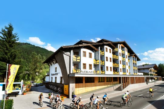 The 4 star Hotel Tauernhof is ideally suited as a starting point for sporting activities due to its central location - in the middle of Flachau.w image