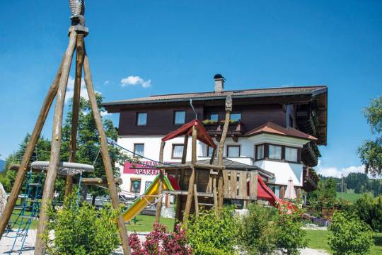 Harmls Aparthotel is located on the sunny outskirts of Flachau.