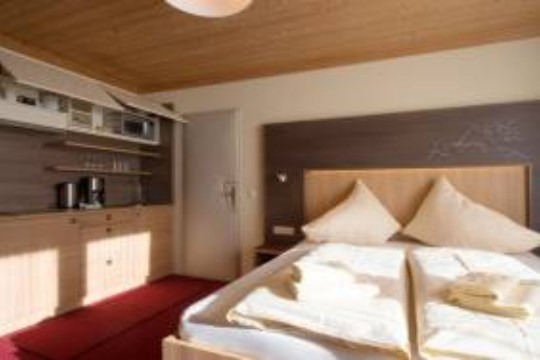 Harmls Aparthotel offers modern and family-friendly apartments at a fair price
